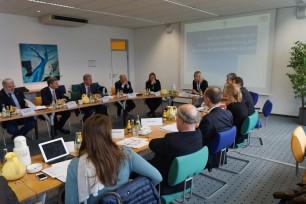 Probleme identifizieren, Antworten suchen: Die Mitglieder der Verbraucherschutzkommission. Foto: Bayerische Staatsministerium für Umwelt und Verbraucherschutz
