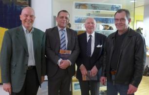 Präsentierten ihr gemeinsames Buch: Franz-Theo Gottwald, Springer-Lektor Frank Schindler, Peter Cornelius Mayer-Tasch und Bernd Malunat (v.l.n.r.)