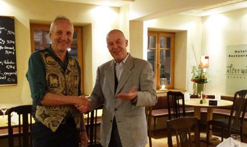 Wirt Ulli Portenlänger zuammen mit Prof. Dr. Franz-Theo Gottwald, Vorstand der Schweisfurth Stiftung